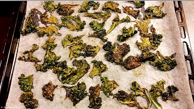 Baked kale chips made with rape seed oil