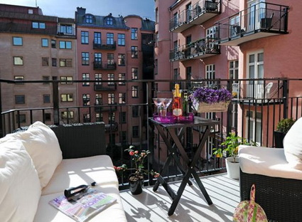Tips For Decorating Small Balconies On a Budget 8