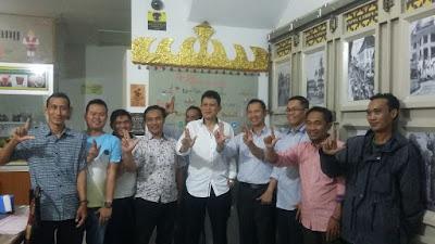 Pangeran Edwarsyah Pernong Kunjungi Coffee Resto IKLB Jabar
