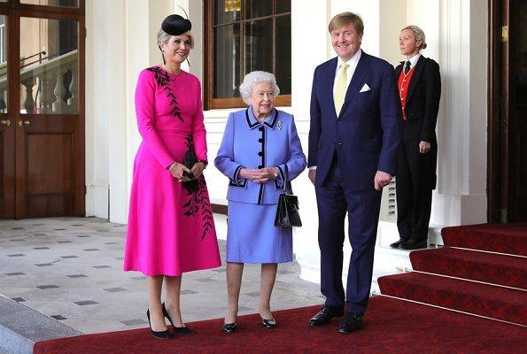 Queen Maxima wore OSCAR DE LA RENTA leaf patterned dress. Countess Sophie of Wessex wore Alexander McQueen dress