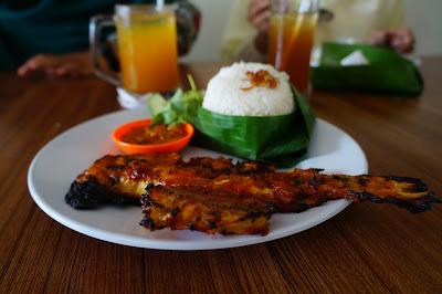 Warong Mak Kundil