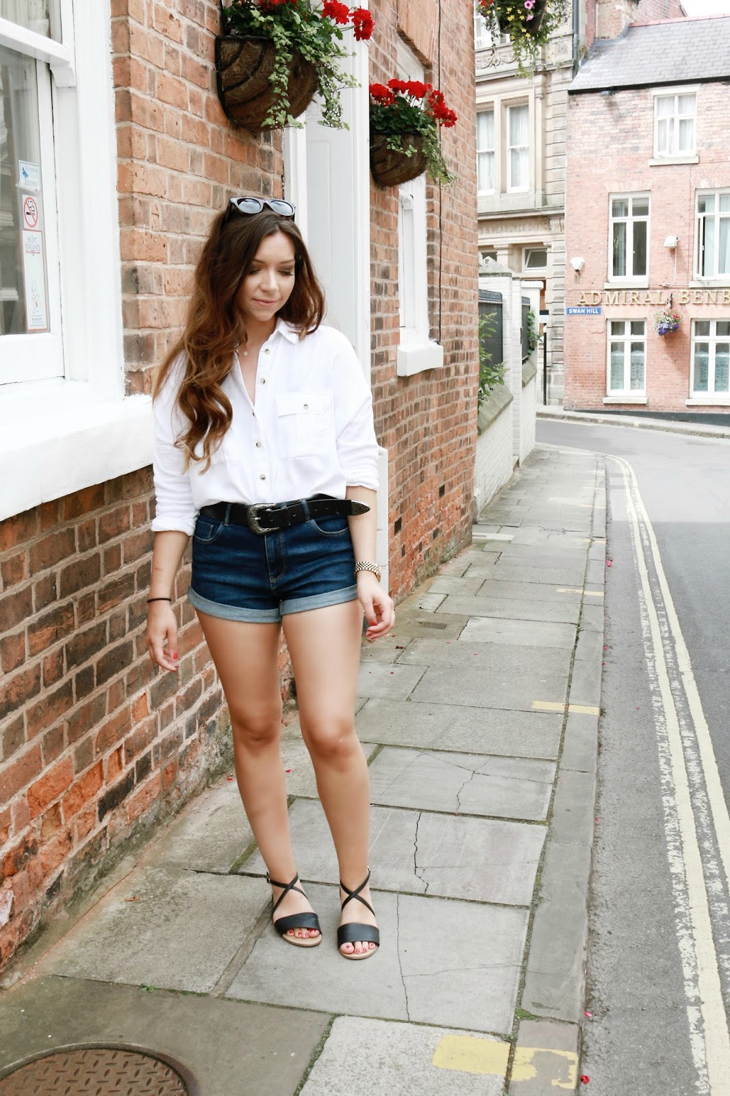 Fashion, Style, Outfits, Zara, Topshop, Monnier Freres, Shopping, Shorts, Street Style, style, petite, celine sunglasses,