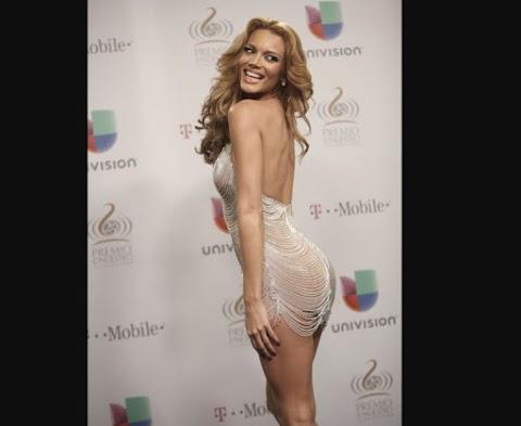 Zuleyca Rivera En Premio Moda