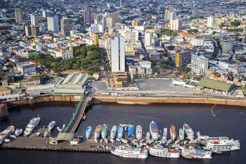 Porto flutuante de Manaus