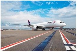 Il nuovo Airbus 350 XWB di Latam Airlines atterra in Italia