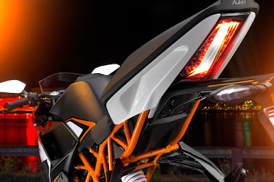 KTM RC 200 tail lamp