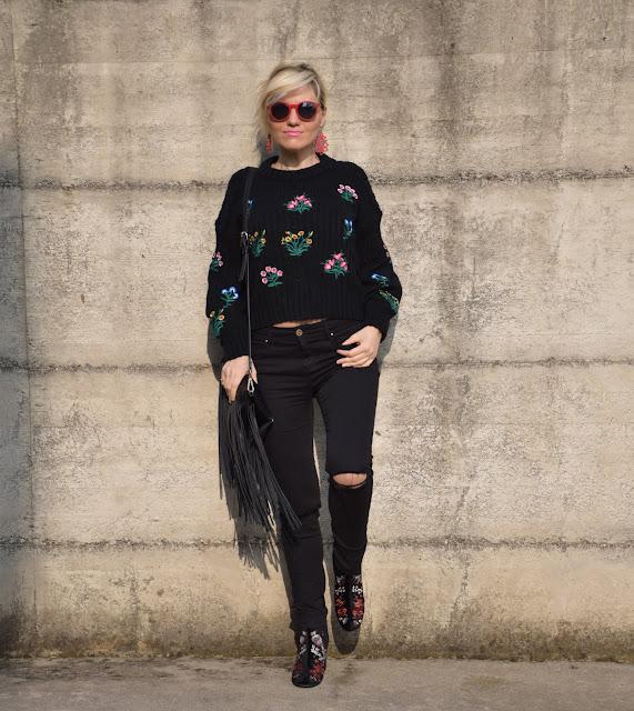 jeans skinny neri strappati come abbinare i jeans skinny strappati mariafelicia magno fashion blogger colorblock by felym fashion blog italiani fashion blogger italiane outfit invernali casual outfit febbraio 2017