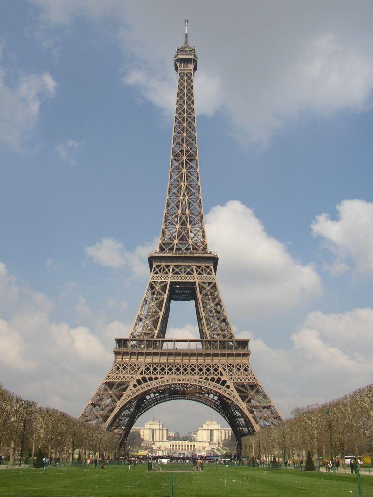A short history of Paris