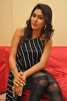 Akshida in Black Tank Top at Kalamandir Foundation 7th anniversary Celebrations ~  Actress Galleries 093.JPG
