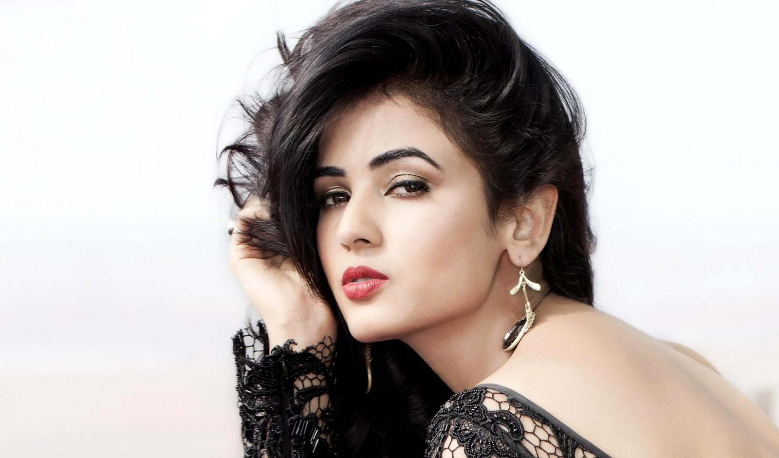 Sonal Chauhan naked (28 images) Tits, iCloud, braless