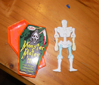 monster mates compressed candy skeleton in coffin