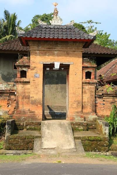 Angkul-angkul - Rumah Adat Bali