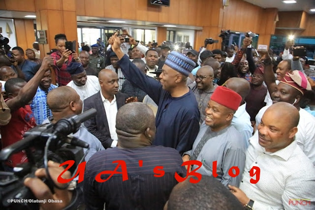Impeachment: Anti-Saraki forces cease fire, lobby for Buhari