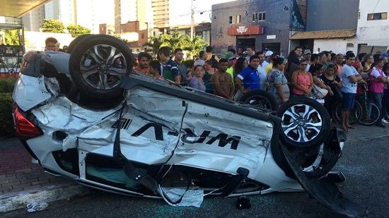 mulher-passa-mal-ao-volante-causa-acidente-e-deixa-um-morto-em-Fortaleza
