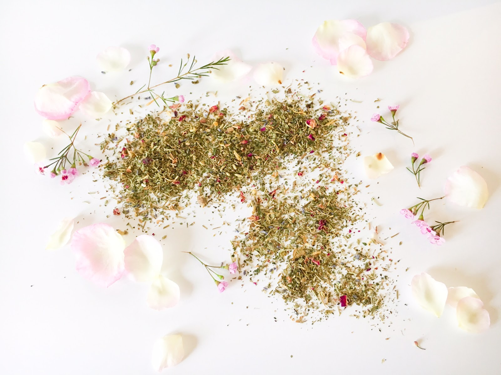 What better type of weather than a cold gloomy day than to indulge in a little self care? This floral steam has been one of my favorites for years ... & DIY Organic Facial Steam - Little Petunia In An Onion Patch