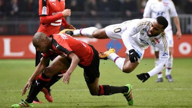 Les Lyonnais de Lacazette n'ont pas réussi à conserver leur avance de deux buts.