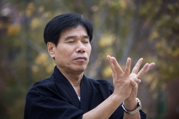 Jinichi Kawakami, el último Ninja que queda vivo en Japón; es jefe del clan Ban e ingeniero
