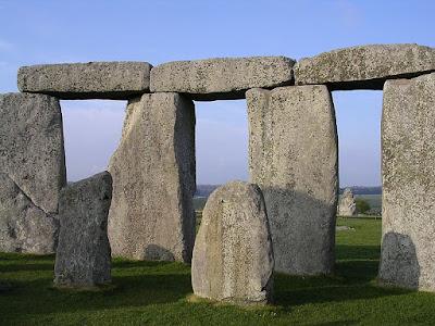 De nouvelles découvertes apportent un nouvel éclairage sur les origines des pierres bleues de Stonehenge