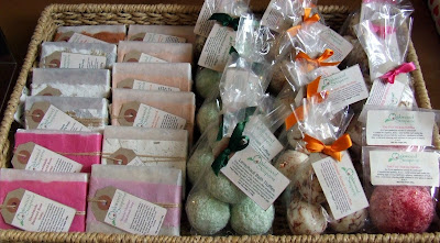 Oakwood Soaperie soaps, bath truffles and bathing bubbles