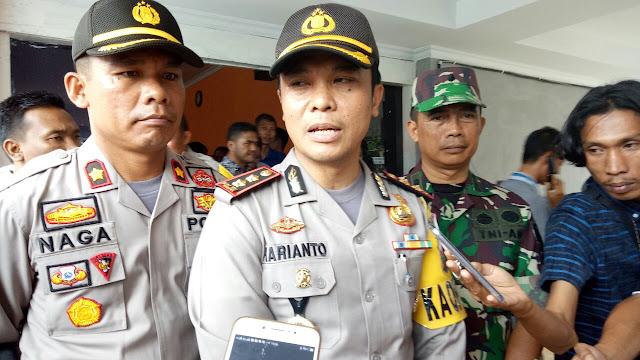 Paslon Bupati dan Wakil Dikawal Polisi