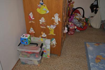 ordine jucarii in camera copilului