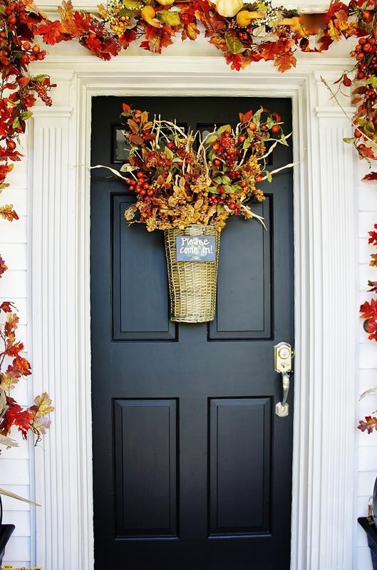 Farmhouse Front Door Ideas: A Farmhouse Door