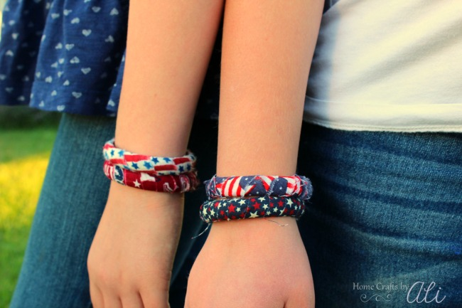 easy diy patriotic bracelet tutorial for Tweens