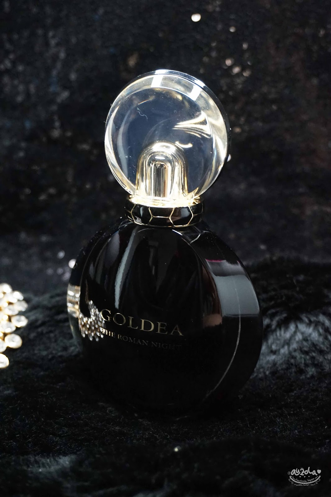 Rainbowdorable By Auzola Indonesian Beauty Blogger Review Mustika Ratu Eau De Parfume Tube Rose Musk Cloaked In Black And Textured Woody Scents Infuse The Identity Of Fragrance While They Add Feminine Strength Charisma