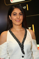 Isha Talwar Looks super cute at IIFA Utsavam Awards press meet 27th March 2017 54.JPG