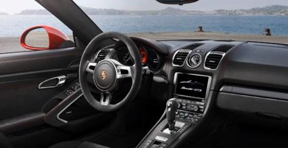 2017 Porsche 960 Interior