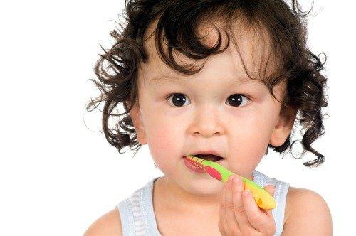 5 Tips menjaga kesehatan gigi anak