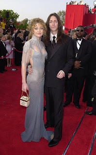 """as soon as upon a time, it as a minimum felt less complicated. at the verge of turning into the most important breakout star in Hollywood with the release of virtually famous , the 21-year-vintage moved in with Black Crows singer Chris Robinson , days after they met at a party in can also 2000. They tied the knot that New year's Eve, making for plenty of giddy seems and crimson carpet dates as Hudson became the toast of awards season, and she enthusiastically predicted spending the relaxation of her existence with him. """"For us, we can in no way think of not being with every different. i'm completed. i am happy. I cannot wait to develop vintage. I can't wait to retire,"""" she advised London's independent newspaper in 2003. The Golden Globe winner had taken a year off from work and changed into lower back doing press for The four Feathers . at some point of her time faraway from Hollywood, """"I discovered how a good deal i love imparting for my husband—some thing i can continually cherish, even if i'm running,"""" she stated. """"i love being able to be a wife, make dinners and invite friends over and be capable of make it all great for him. it's a pleasing component for a man to feel that, and for me to experience that i can give that."""""""
