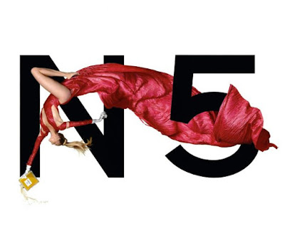 Estella Warren appears in Chanel No. 5's 1999 advertising campaign. Photo: Jean-Paul Goude © Chanel