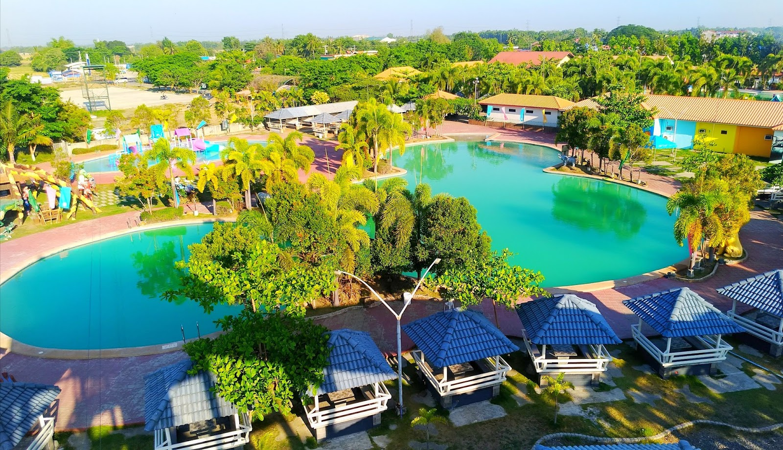 Crystal Waves Hotel And Resort The Home Of The First Wave Pool