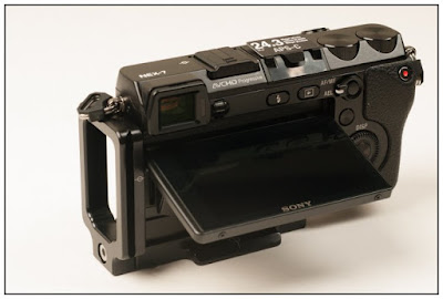 Hejnar PHOTO Mod L Bracket on SONY NEX-7- tilted viewscreen