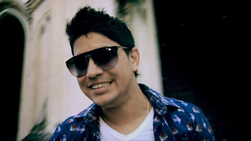 Baby Lores - ¨La mujer del pelotero¨ - Videoclip - Dirección: Alejandro Pérez. Portal Del Vídeo Clip Cubano