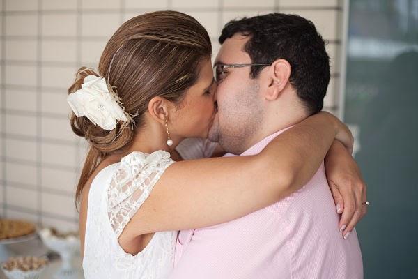 noivado-juliana-rafael-beijo