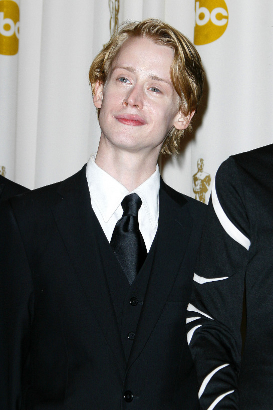Hollywood Macaulay Culkin Profile Images And Wallpapers 2012