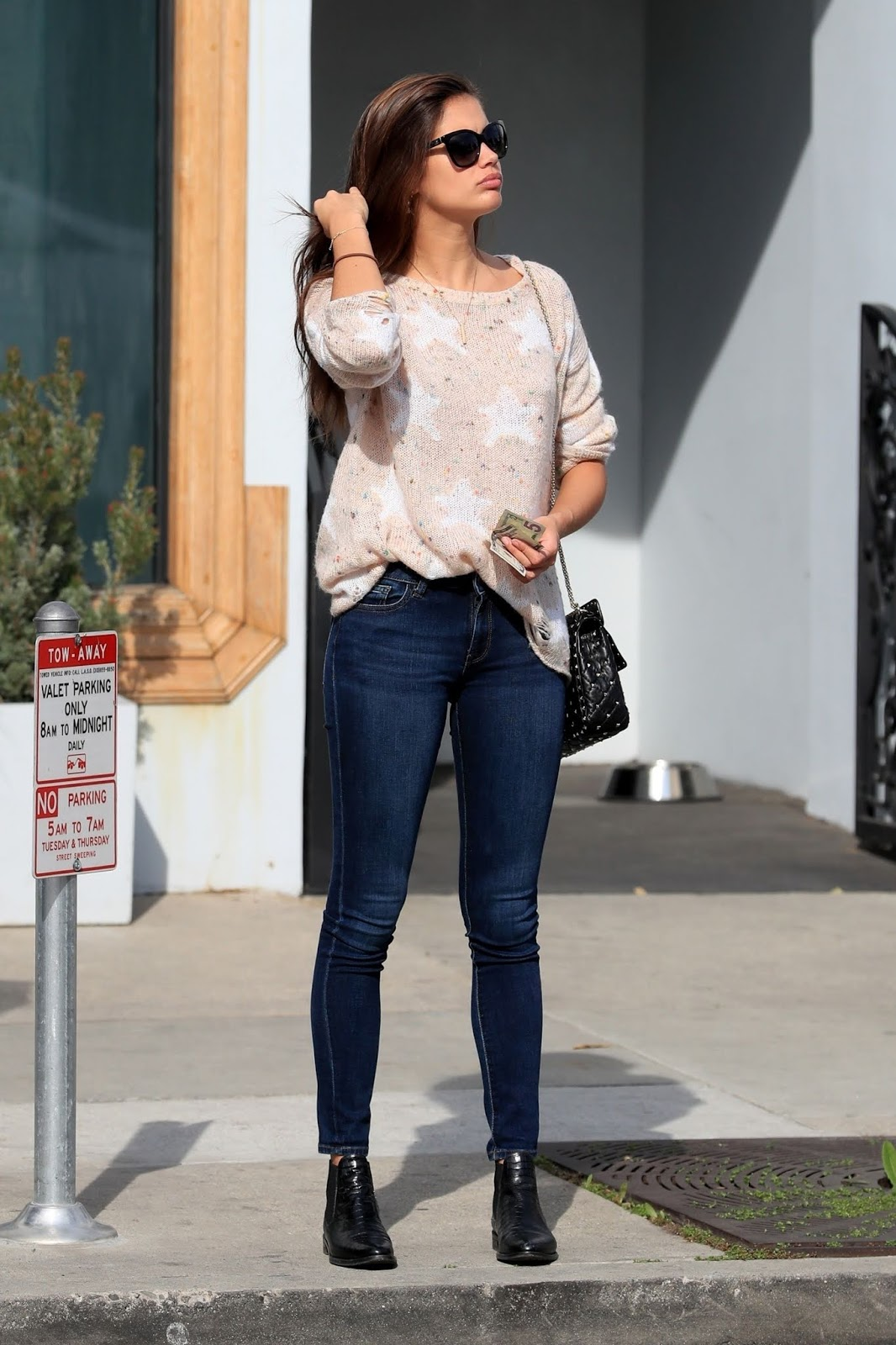 Sara Sampaio leaving Urth Caffé in West Hollywood - 01/29/2019