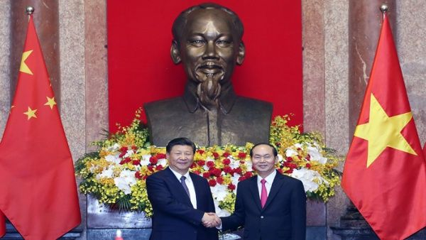 China y Vietnam suscriben acuerdos de cooperación bilateral