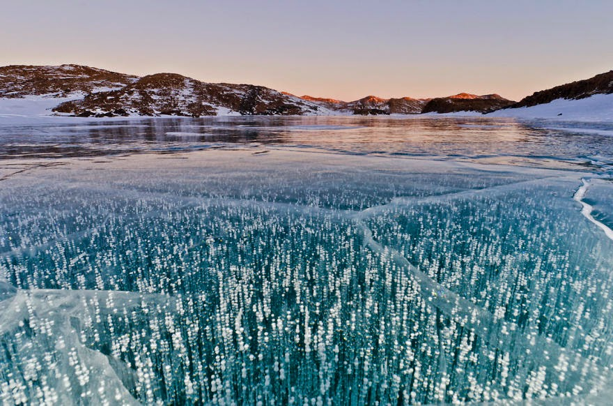 4. Lake Druzhby In Antarctica - 18 Beautiful Frozen Lakes, Oceans And Ponds That Resemble Fine Art