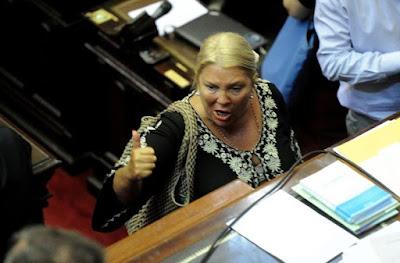 Elisa Carrió se justificó diciendo que cobró casi 350 mil pesos de sobresueldo a través del canje de pasajes debido a que