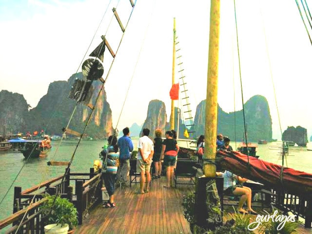 Halong bay cruise by gurlay.blogspot.com