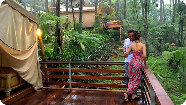 Kota Bogor merupakan tujuan utama bagi para wisatawan dari Ibukota saat akhir pekan menjelang. Jalanan menuju Bogor pun akan penuh sesak oleh kendaraan wisatawan yang akan berlibur ke sana. Tak heran sih, banyaknya tempat wisata di Bogor memang menjadi magnet bagi pelancong. Apalagi semua tempat wisata di Bogor memiliki hawa yang sejuk dan menenangkan.
