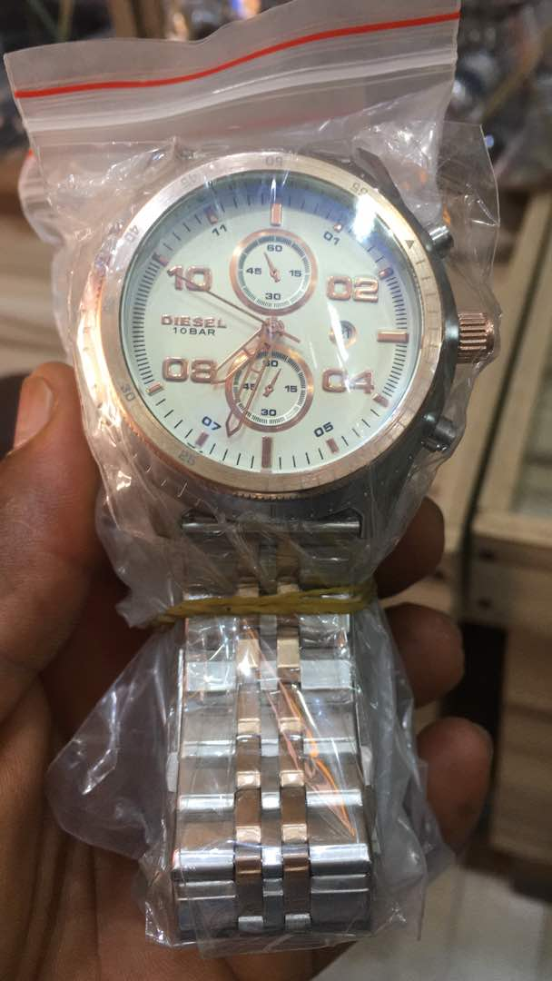 WRISTWATCHES FROM FAVOUR NELSON 08068320113