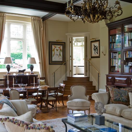 Traditional Living Room Interior Design Pictures: New Home Interior Design: Traditional Living Room