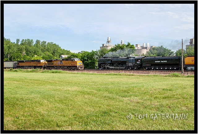UP 844 passes UP 5989 and UP 8288 at Bonner Springs, KS.