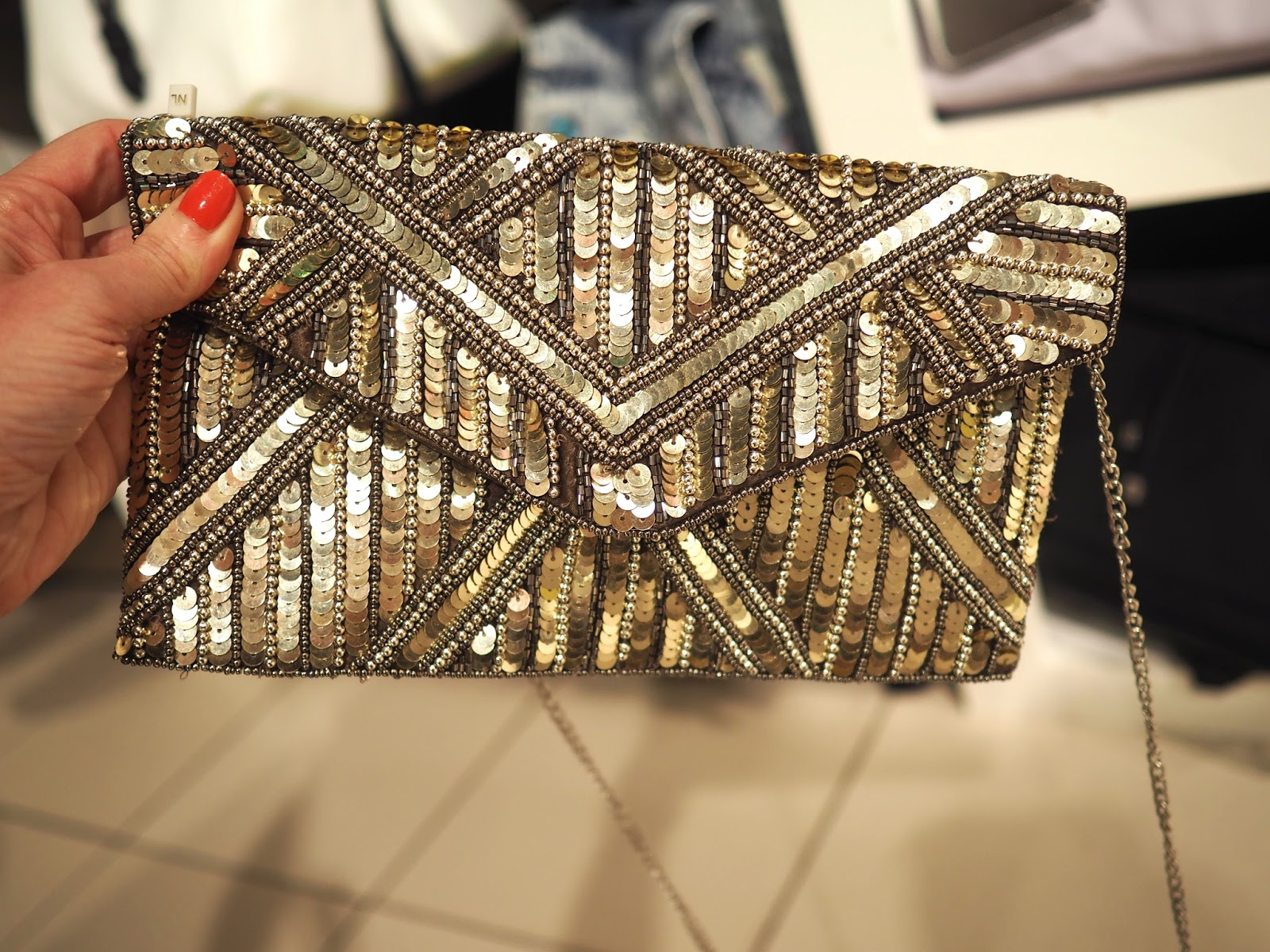 What to wear for York Races, New Look sequinned Gatsby style clutch bag, over 40
