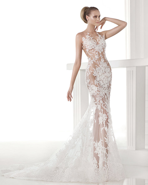 Ma concentriamoci sull effetto tattoo che diventa la novità assoluta tra le  molte tendenze degli abiti da sposa di quest anno. Questo stile particolare  si ... 2f98dce1302