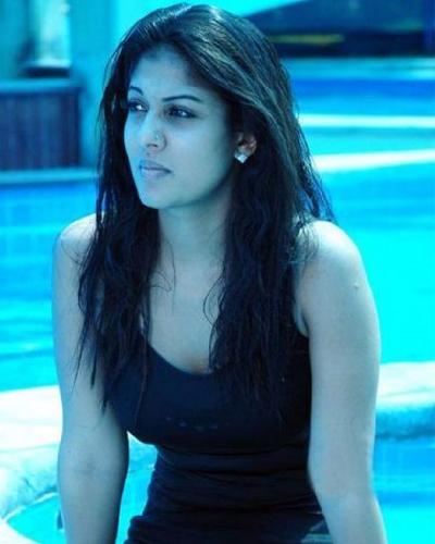 Mallu Actress Nayanthara Hot Pictures At Swimming Pool -6338